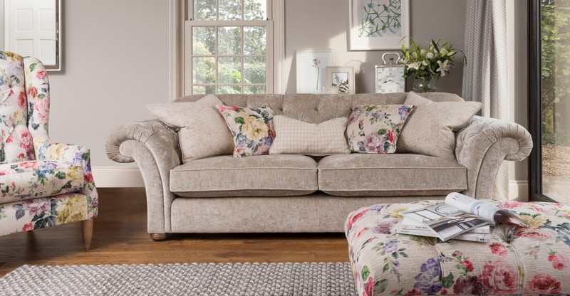 How To Decorate Your Sofa With Cushions