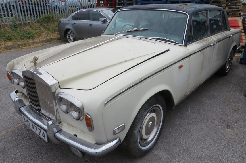 1975 Rolls Royce Silver Shadow - Front View