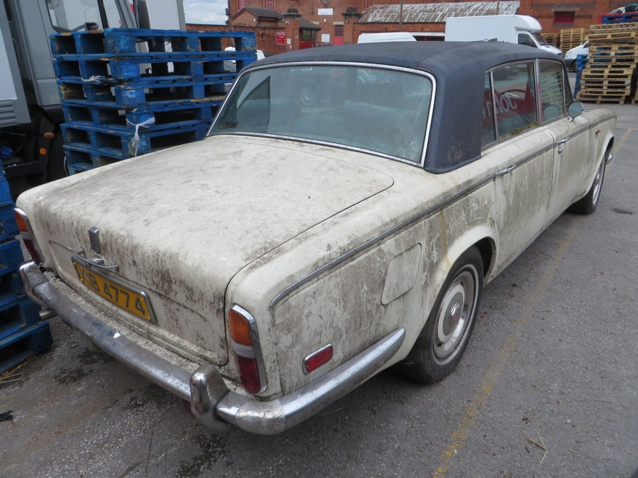 1975 Rolls Royce Silver Shadow - Back View