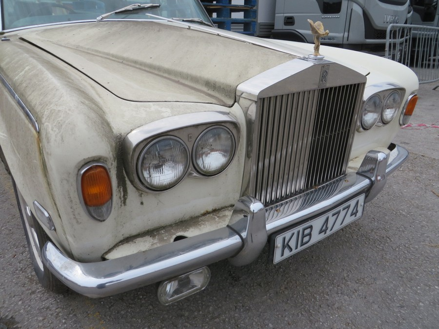 1975 Rolls Royce Silver Shadow - Side Front View