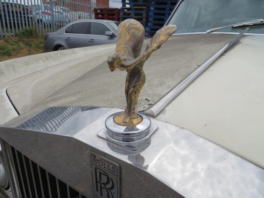 1975 Rolls Royce Silver Shadow - Logo